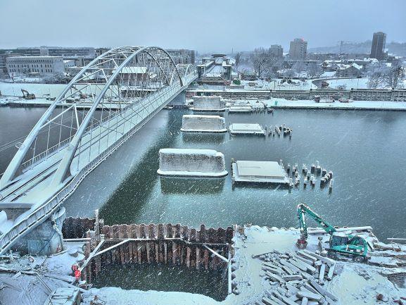 Budowa mostu kolejowego