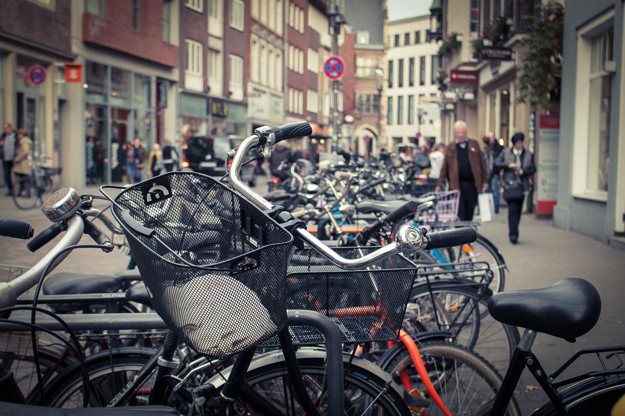 Rowerzyści i kierowcy