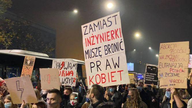 Takie hasła widać było na ulicach Krakowa