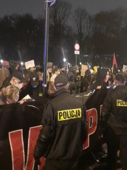 """Protest pod kurią po reportażu """"Don Stanislao. Druga twarz kardynała Dziwisza"""""""
