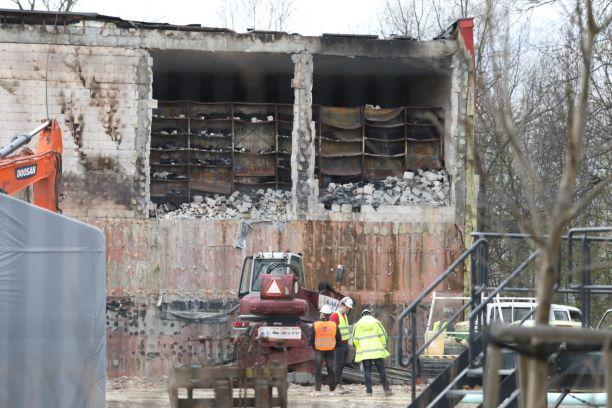 Rozpoczęła się rozbiórka spalonego Archiwum Miejskiego