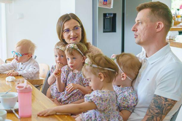 Sześcioraczki z Tylmanowej mają już dwa lata