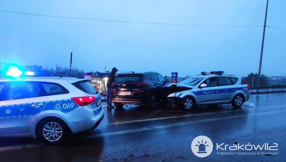 Skawina - wypadek z udziałem policyjnego radiowozu
