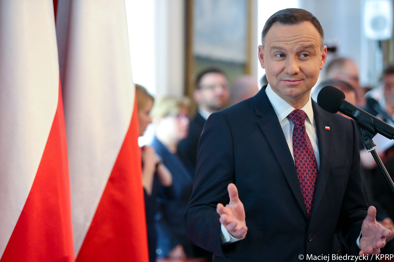 Prezydent Andrzej Duda razem z żoną zagłosował w Krakowie! [zdjęcia]