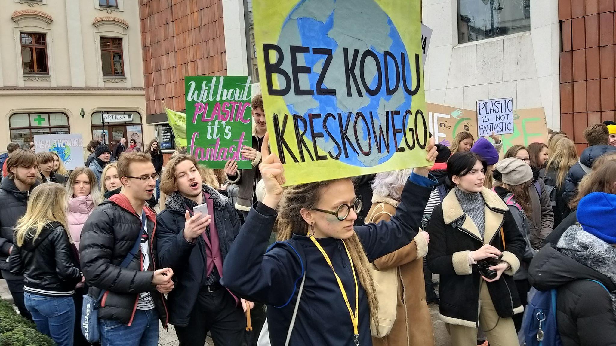 """W środę w Krakowie protest młodzieży i kobiet! """"Walczymy o lepszą politykę klimatyczną, o lepszy świat"""""""