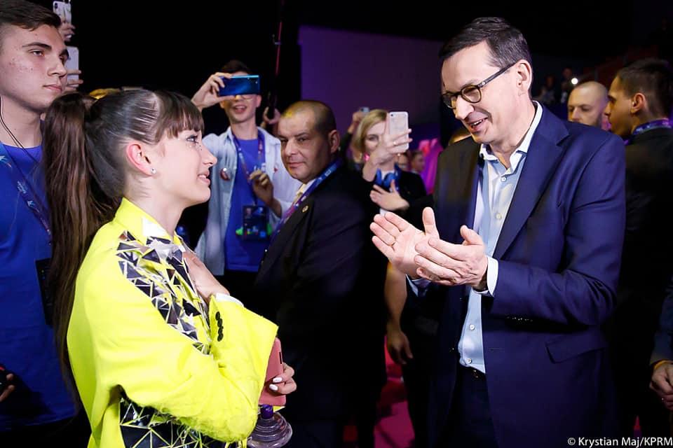 Premier, prezydent i… zaskakujący pomysł. Cała Polska zachwycona Viką Gabor!