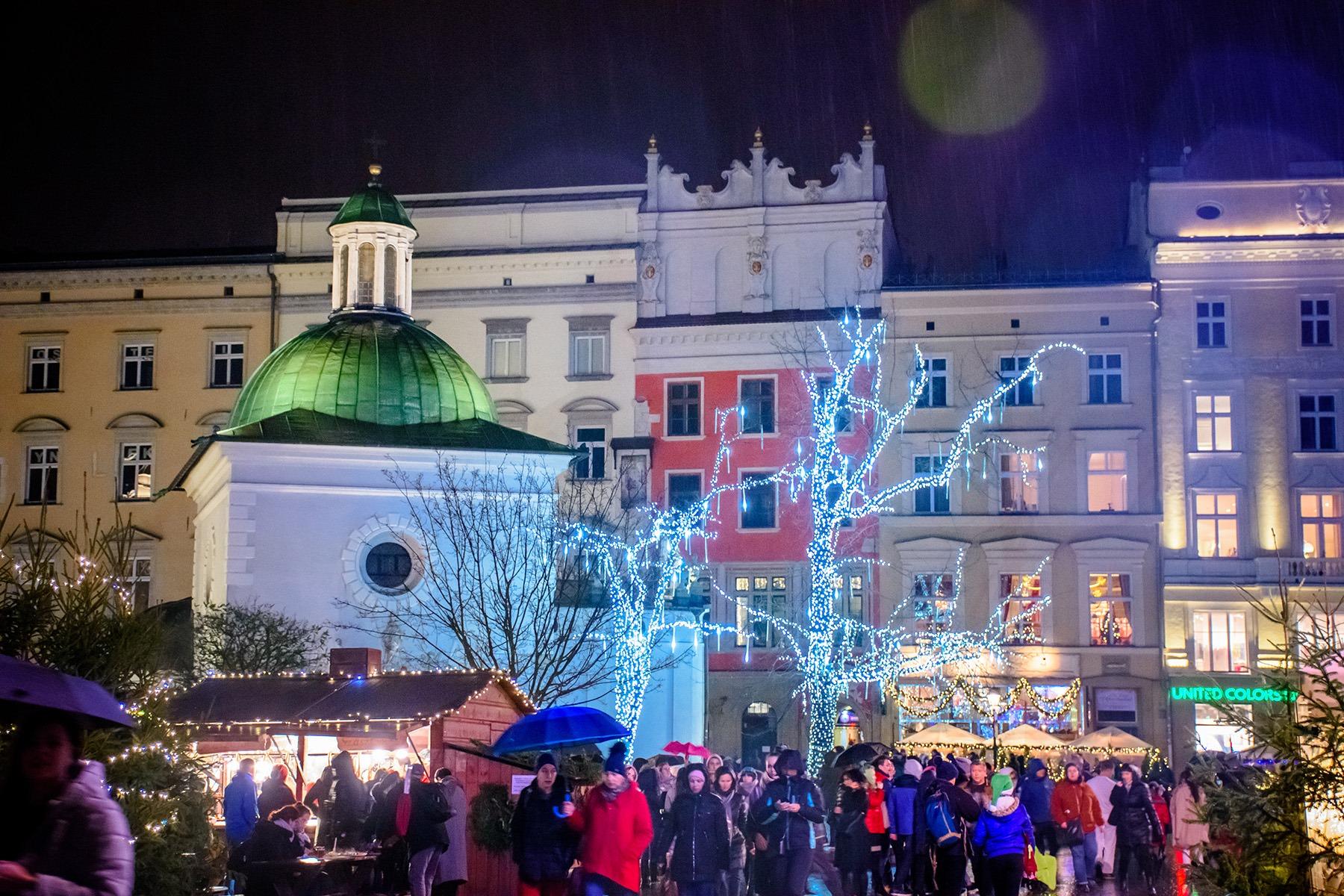 """Zakaz przemieszczania się w święta Bożego Narodzenia? 40 proc. Polaków jest """"za"""""""