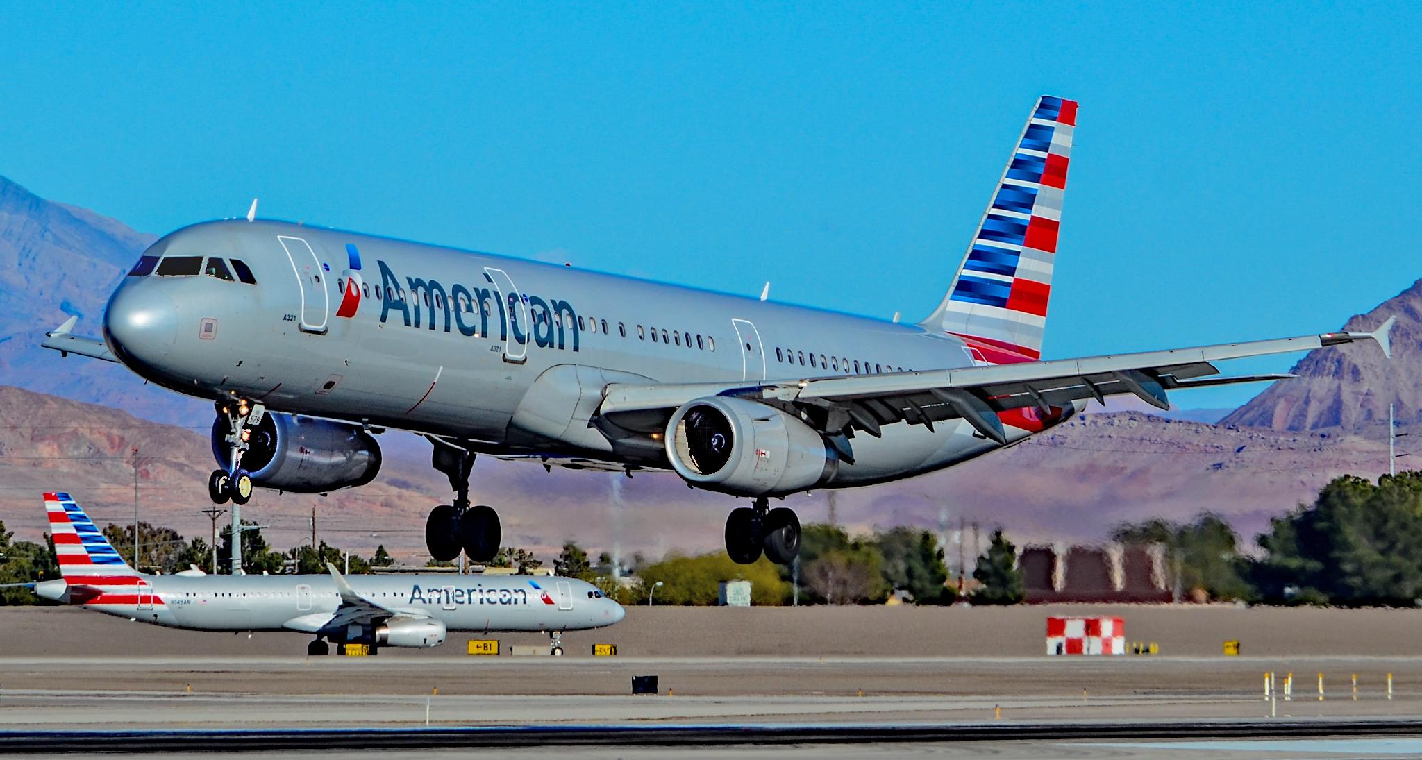 Samoloty American Airlines zaczną latać z Krakowa do Chicago dopiero za rok