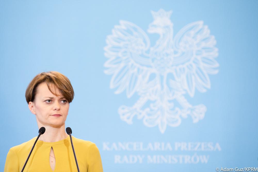 Afera z dziećmi wicepremier Jadwigi Emilewicz nabiera rozpędu. Nowe wieści z PZN!