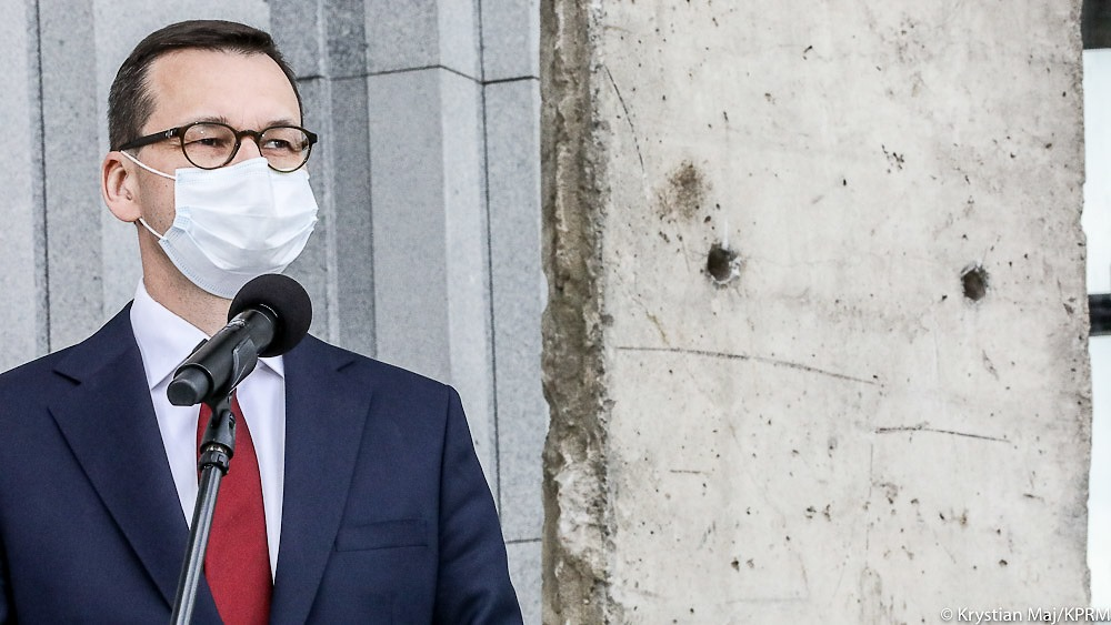 Pandemia zbiera żniwa w całym kraju, a czołowi politycy wizytują Małopolskę