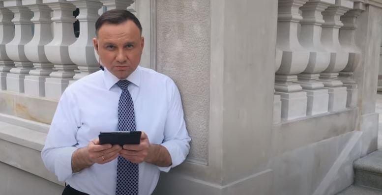 Zdjęcie Andrzeja Dudy robi furorę w sieci. Krakowianin pochwalił się fotografią z czasów harcerstwa