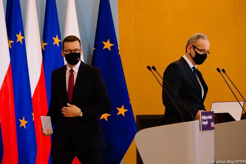 """Eksperci z Klubu Jagiellońskiego ocenili rząd. Zero piątek, a zamiast nich """"prawne niechlujstwo i niska kultura"""""""