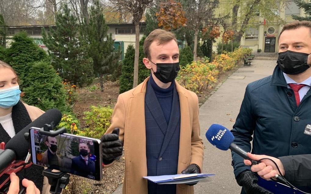 Poseł Miszalski interweniuje w sprawie uczniów i nauczycieli. Czy tym razem kurator Nowak mu odpowie?