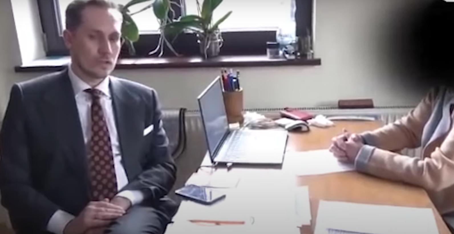 Poseł Berkowicz spytał sanepid, dlaczego nęka przedsiębiorców. Odpowiedź powala [video]