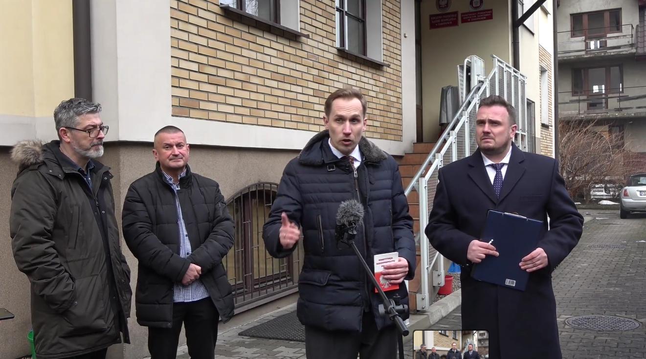 Poseł Berkowicz: polski rząd to rebelia i działa jak radziecki prokurator