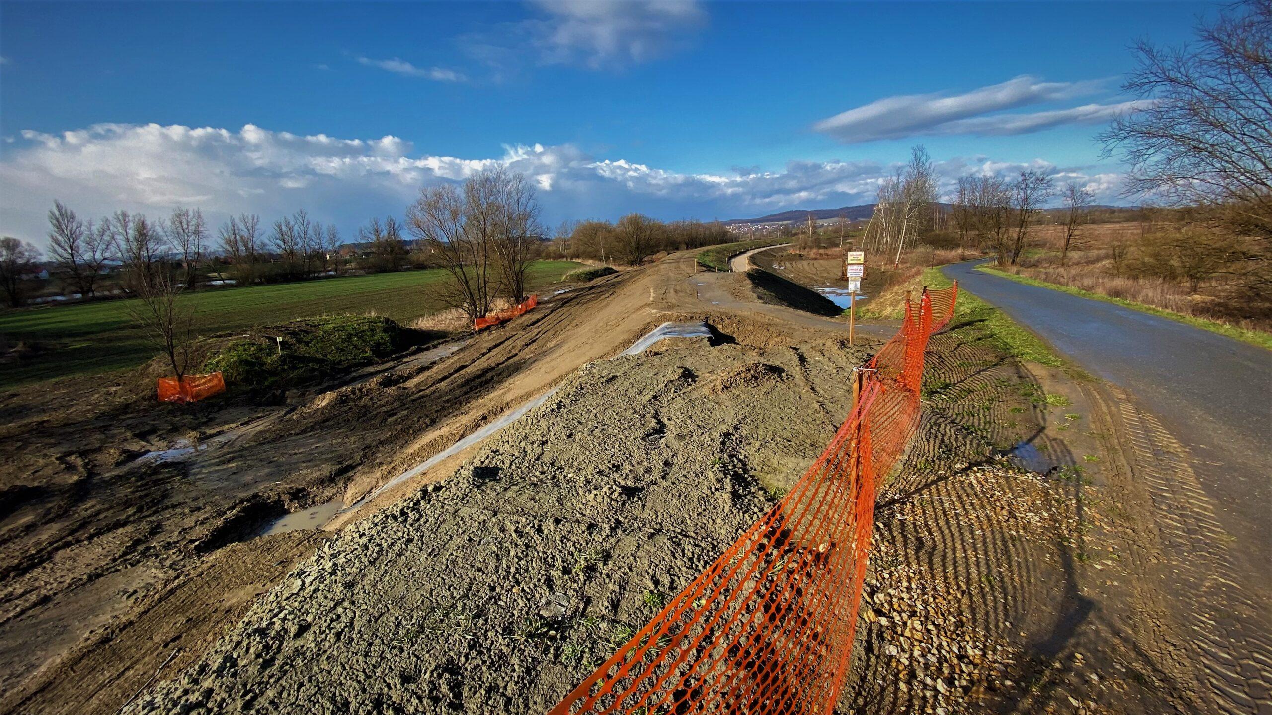 Droga rowerowa do Tyńca jeszcze nie w tym roku, ale budowa postępuje zgodnie z planem