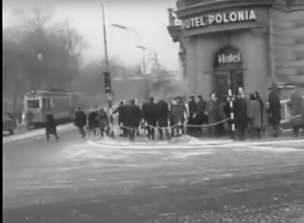 Fot. Kraków w 1965 roku - unikalne nagranie niemieckich turystów! / serwis Hist_PL na YouTube